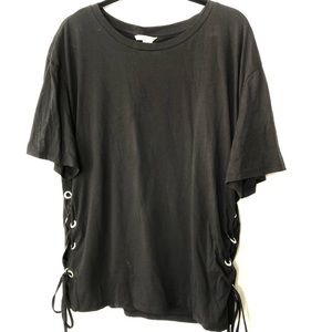 H & M Black T-Shirt. Tie Sides. Size XL New